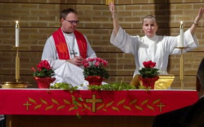 What does a Pastor do to prepare for a worship service